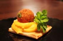 Polpette di merluzzo - purea patate e carote (1) F