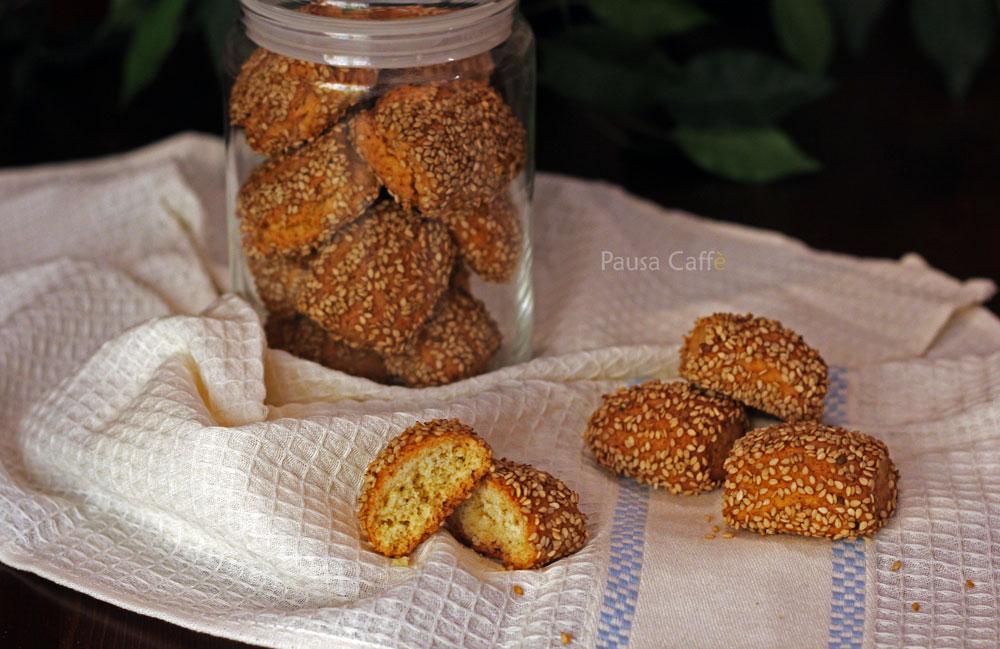 Biscotti-regina-reginelle-sesamini-(1)F