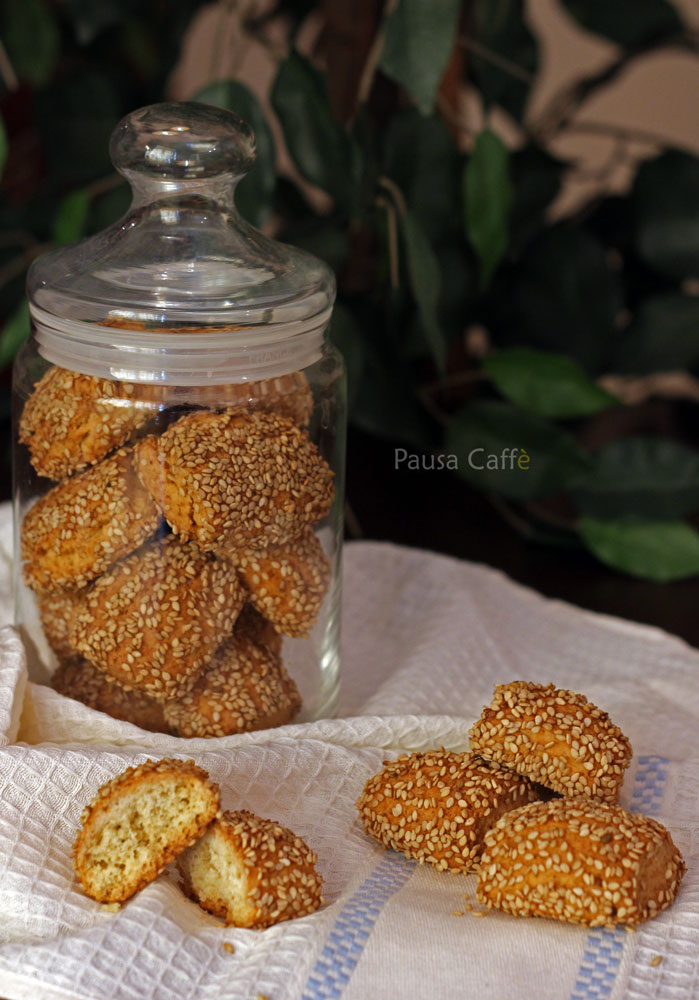 Biscotti-regina-reginelle-sesamini-(3)F