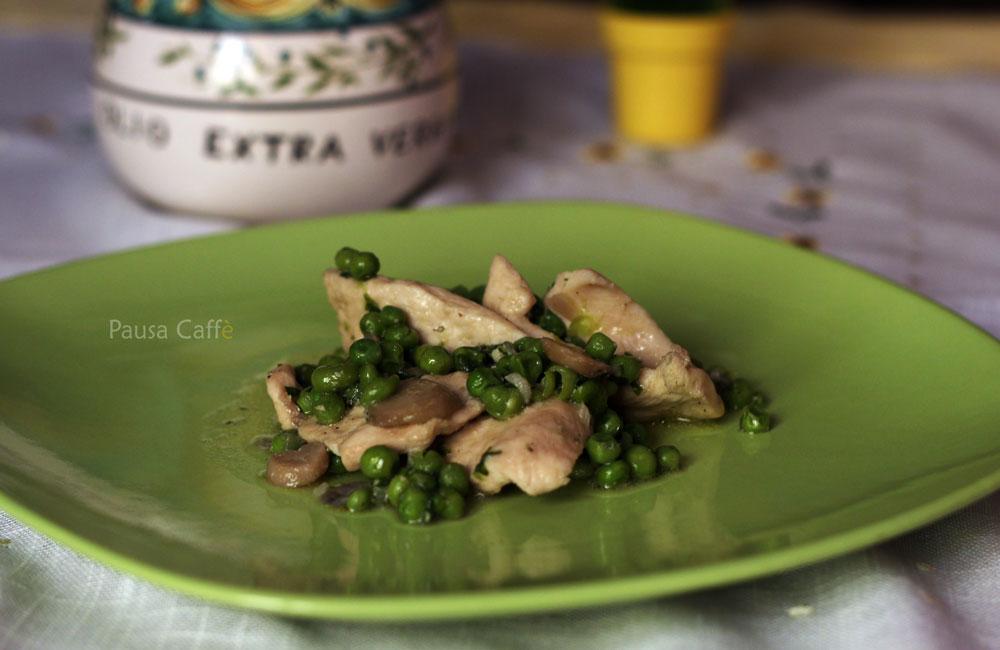 Petto-di-pollo-con-piselli-e-funghi-(1)-F
