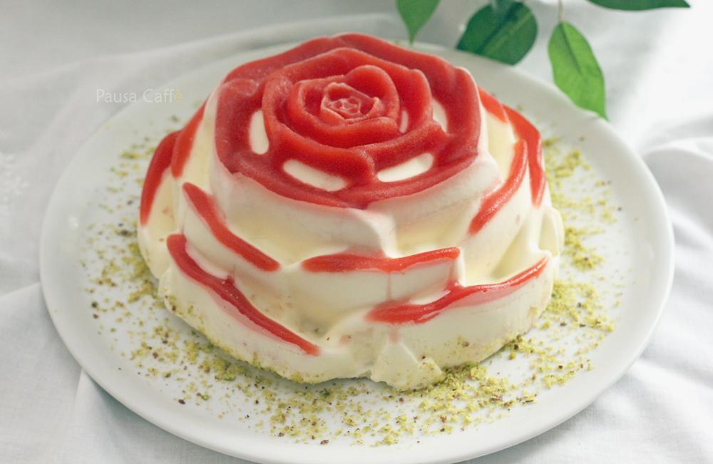 Rosa-di-panna-cotta-e-fragole-(41)-si