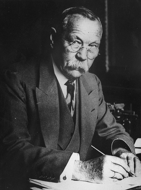 Arthur Conan Doyle For The Defence