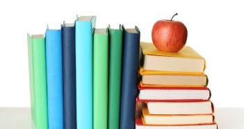 Books-and-apple 951x634