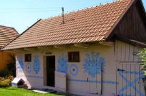 Zalipie-painted-village11
