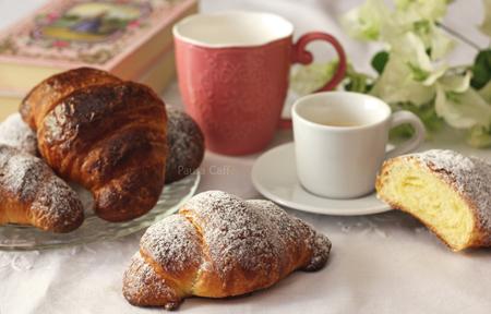 croissant sfogliati (8) F 450